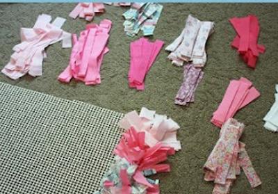C mo hacer una alfombra super f cil la creativa blog - Telas para alfombras ...